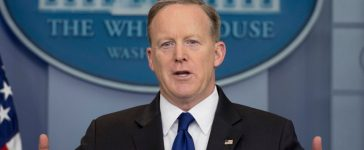 White House press secretary Sean Spicer speaks during the daily briefing at the White House in Washington, D.C., March 21, 2017. (Photo credit: JIM WATSON/AFP/Getty Images)