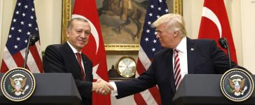 Turkey's President Recep Tayyip Erdogan (L) shakes hands with U.S President Donald Trump as they give statements to reporters in the Roosevelt Room of the White House in Washington, U.S. May 16, 2017. REUTERS/Kevin Lamarque - RTX363M8