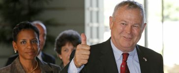 US Representative Dana Rohrabacher (R), (R-Calif.), gives a thumbs-up as his US congressional delegation arrives at the prime minister's official residence to meet Japan's Prime Minister Shinzo Abe in Tokyo on September 2, 2013. (PHOTO: Getty Images / AFP / Shuji Kajiyama)