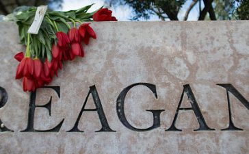 SIMI VALLEY, CA - MARCH 6: Flowers are left in memory of former first lady Nancy Reagan near the Ronald Reagan Presidential Library and Center for Public Affairs on March 6, 2016 in Simi Valley, California. The first lady died at her Bel Air, California home this morning at the age of 94. (Photo:Getty)