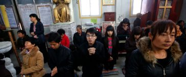 Believers take part in a weekend mass at an underground Catholic church in Tianjin November 10, 2013. Picture taken November 10, 2013. To match Special Report CHINA-CATHOLICS/ REUTERS/Kim Kyung-Hoon (CHINA - Tags: POLITICS RELIGION) - RTR3JEL1