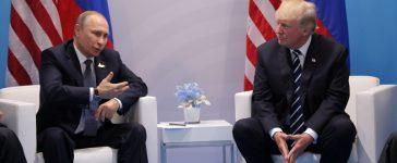 Russia's President Vladimir Putin talks to U.S. President Donald Trump during their bilateral meeting at the G20 summit in Hamburg, Germany July 7, 2017. REUTERS/Carlos Barria - RTX3AIAR