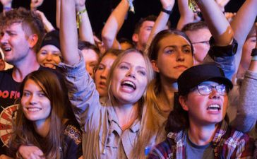 Festival goers react during Open'er music Festival in Gdynia, Poland June 29, 2017. Picture taken June 29, 2017. REUTERS/Matej Leskovsek