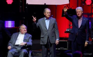Five former U.S. presidents, Jimmy Carter, George H.W. Bush, Bill Clinton, George W. Bush, and Barack Obama attend a concert at Texas A&M University benefiting hurricane relief efforts in College Station, Texas, U.S., October 21, 2017. (Photo: REUTERS/Richard Carson)