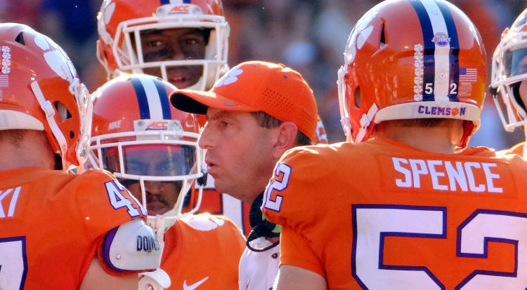 Head Coach Dabo Swinney givnig his team some motivation during a game. (Photo Credit/Getty Images)