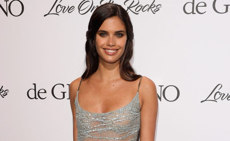 """Sara Sampaio attends the DeGrisogono """"Love On The Rocks"""" during the 70th annual Cannes Film Festival at Hotel du Cap-Eden-Roc on May 23, 2017 in Cap d'Antibes, France. (Photo by Andreas Rentz/Getty Images)"""