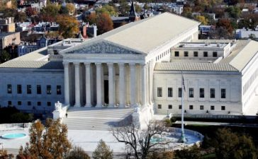 FILE PHOTO: A general view of the U.S. Supreme Court building in Washington, U.S., November 15, 2016. REUTERS/Carlos Barria/File Photo