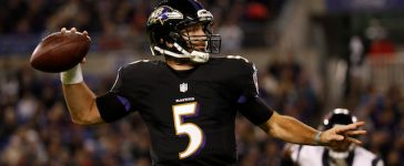 Quarterback Joe Flacco #5 of the Baltimore Ravens throws the ball in the third quarter against the Houston Texans at M&T Bank Stadium on November 27, 2017 in Baltimore. (Photo by Scott Taetsch/Getty Images)