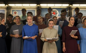 Amish youth from Ohio recite gospel songs in the Times Square subway in Midtown, New York May 15, 2015. REUTERS/Adrees Latif