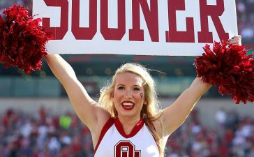 An Oklahoma Sooners cheerleader performing during the game against the Kansas State Wildcats in October 2016 in Norman, Oklahoma. (Photo by Brett Deering/Getty Images)