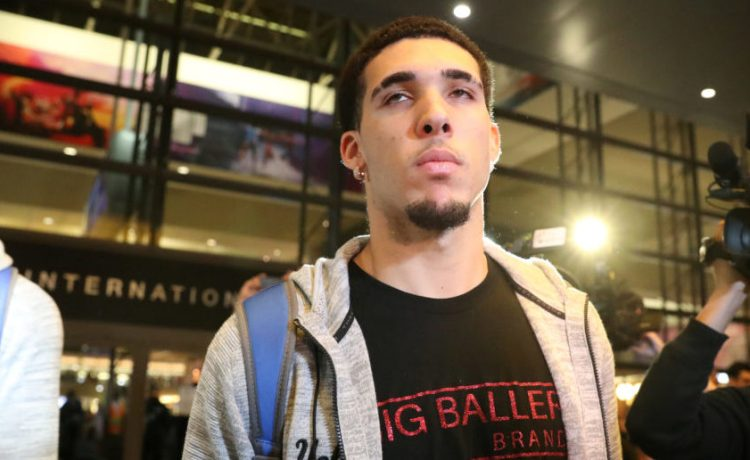 UCLA basketball player LiAngelo Ball arrives at LAX after flying back from China where he was detained on suspicion of shoplifting, in Los Angeles, California U.S. November 14, 2017. REUTERS/Lucy Nicholson