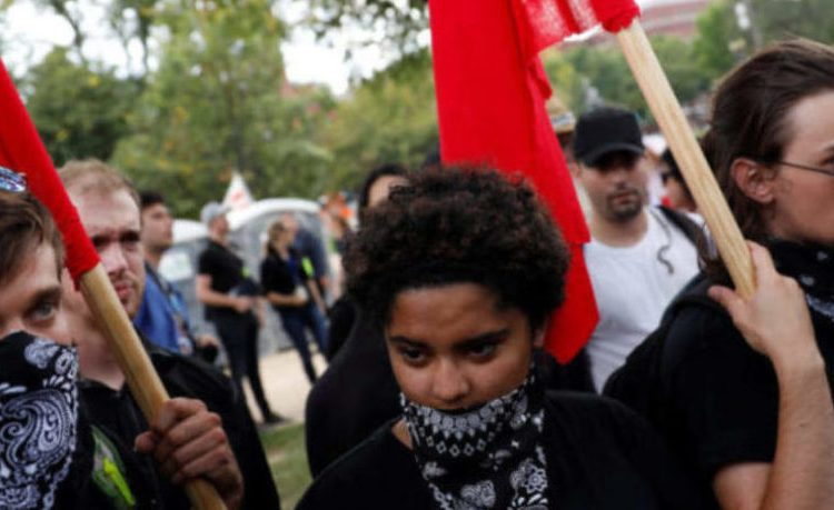 Members of Antifa gather to protest during the Mother of All Rallies demonstration on the National Mall in Washington, U.S., September 16, 2017. (Photo: REUTERS/Aaron P. Bernstein)