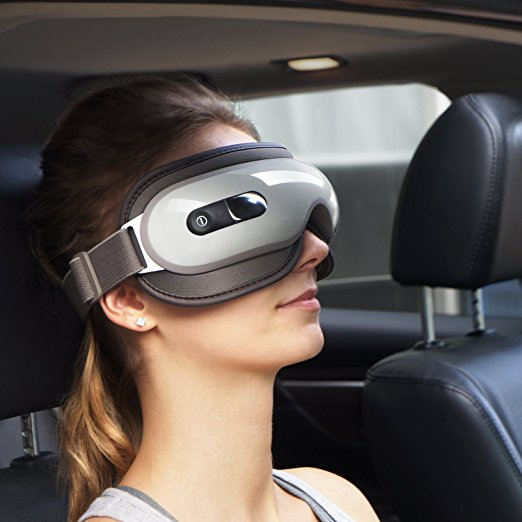Normally $50, this wireless eye massager is 20 percent off with this code (Photo via Amazon)