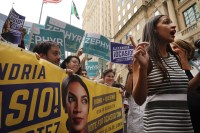 https://dailycaller.com/2019/01/10/ocasio-cortez-campaign-fined/?utm_campaign=atdailycaller&utm_medium=Social&utm_source=Twitter&__twitter_impression=true&__twitter_impression=true&__twitter_impression=true