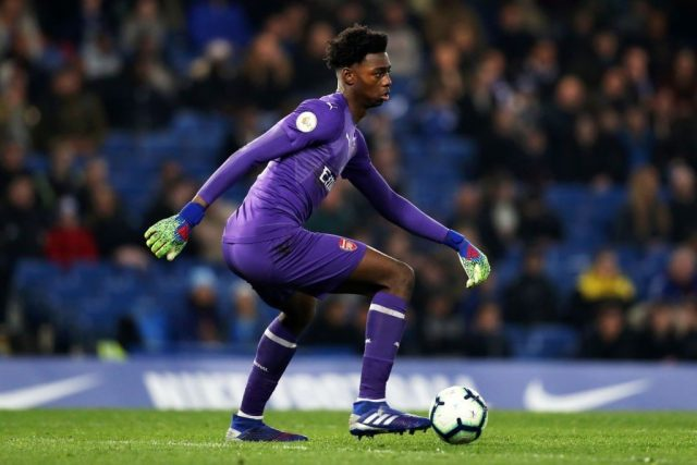 LONDON, ENGLAND - APRIL 15: Arthur Okonkwo of Arsenal in action during the Premier League 2 match between Chelsea and Arsenal at Stamford Bridge on April 15, 2019 in London, England. (Photo by Naomi Baker/Getty Images)