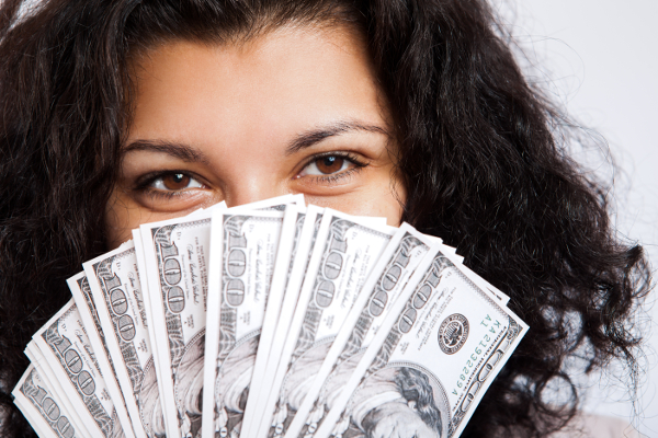 https://i1.wp.com/dailycaring.com/wp-content/uploads/2013/07/moneygirl600x400.jpg
