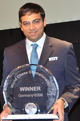 In round 3, Viswanathan Anand returned to vintage form.