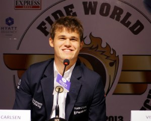 Magnus Carlsen needs to assume the role of the World Champion.