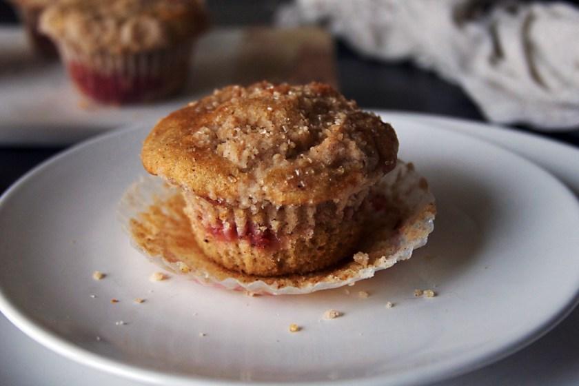 strawberry-rhubarb-muffins-8