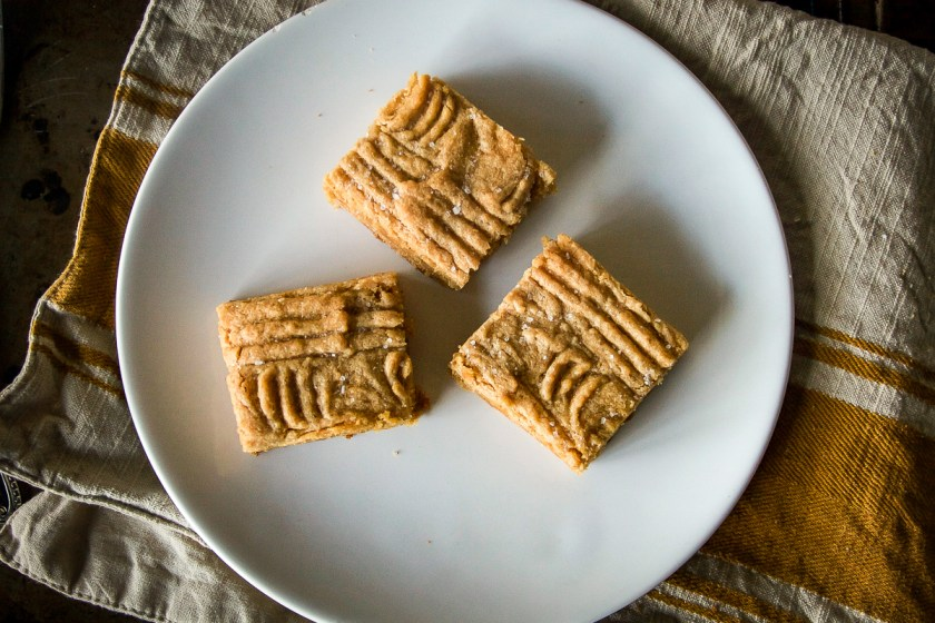 peanut-butter-blondies-2