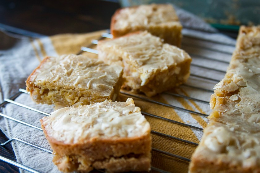 maple-macadamia-nut-brown-butter-blondies-3