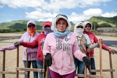 women-workers-at-La-Providencia