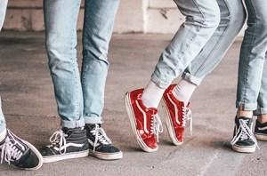 Sneakers-cut