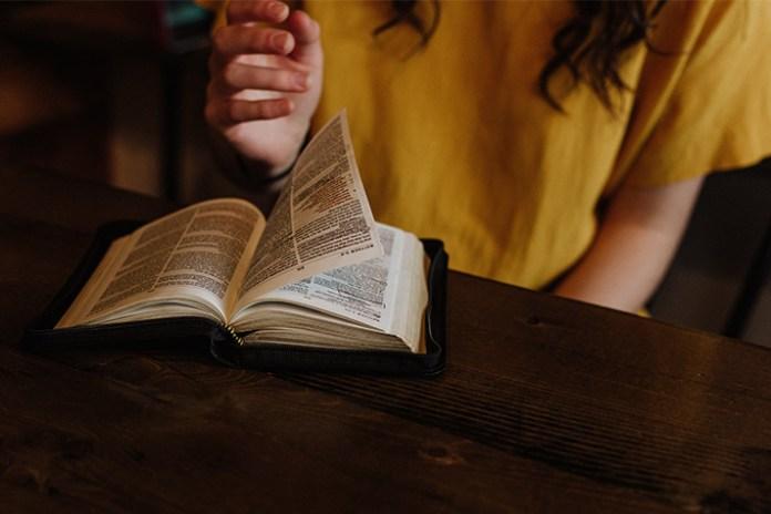 Billy Graham Daily Devotion 9 December 2018, Billy Graham Daily Devotion 9 December 2018 – Word Made Flesh