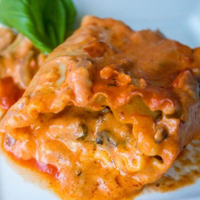 Deluxe Imos Pizza Lasagna Rolls #SundaySupper