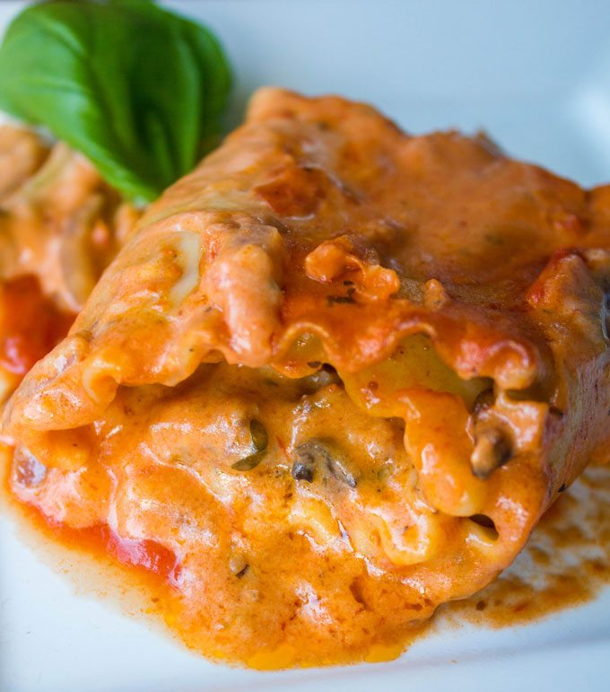 deluxe-imos-pizza-lasagna-rolls-5