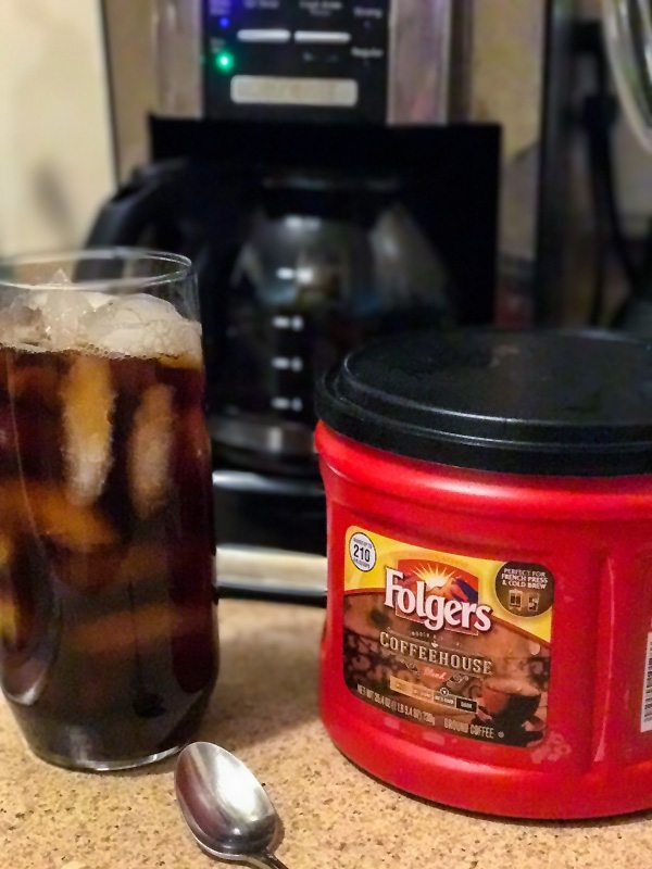 Brewing Iced Coffee with Folgers Coffeehouse Blend
