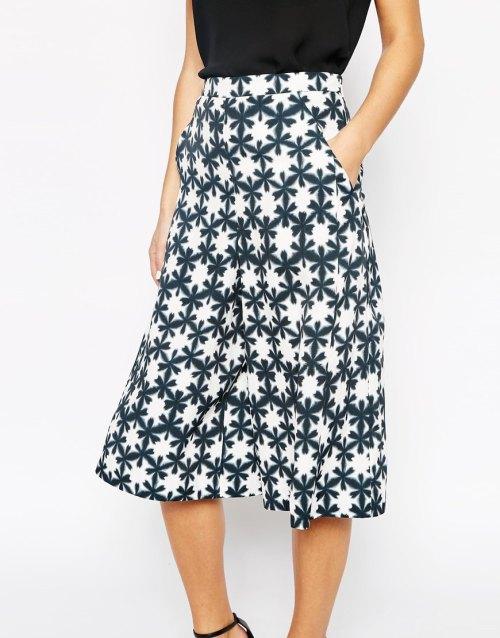 closeup asos pattern culottes