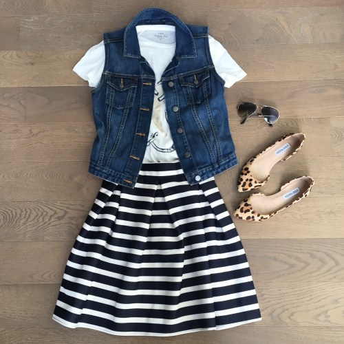 jcrew tshirt chicwish striped skirt leopard flats outfit