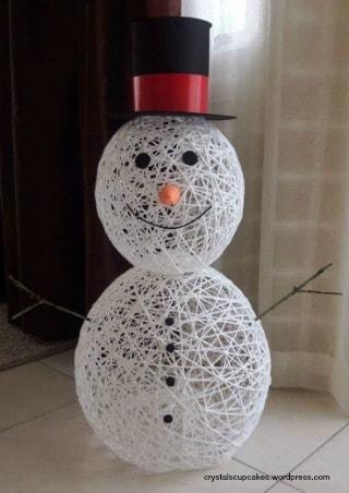 Yarn Snowman craft tutorial complete