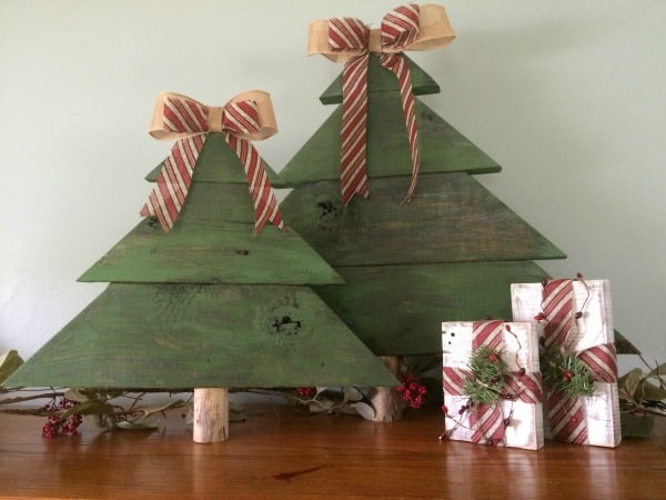 diy rustic christmas decor learn how to make wood christmas trees - Rustic Christmas Decor