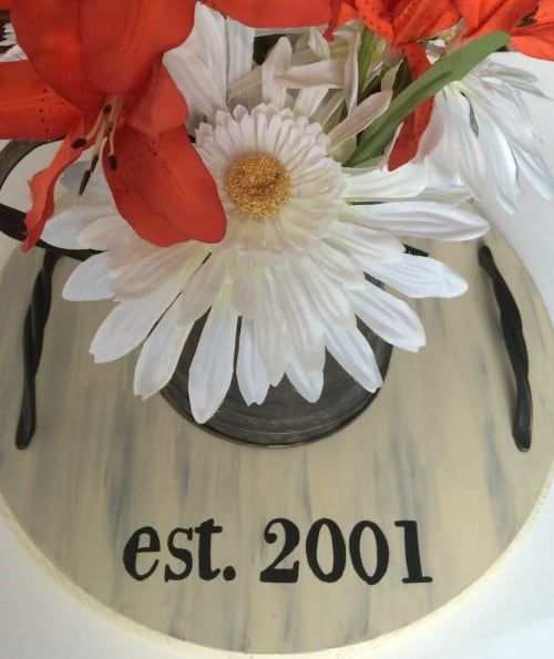 diy farmhouse serving tray with flowers decor