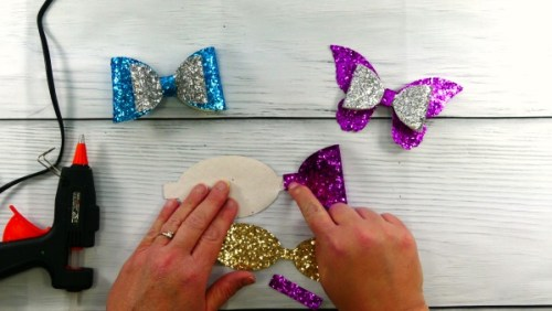 Glue the first layer of the DIY Glitter hair bow
