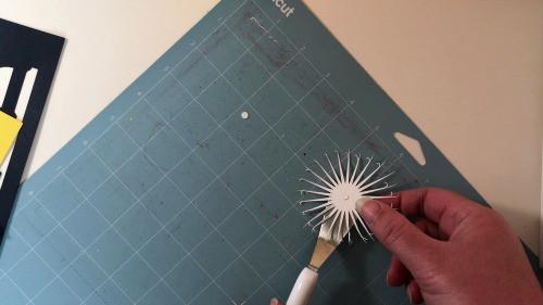 Making a tassel for DIY Graduation Decor
