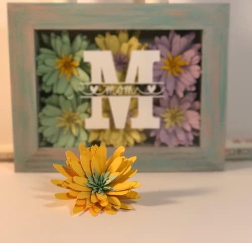 Paper flower daisies for shadow box display