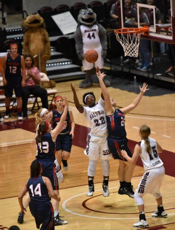 Daily Egyptian : SIU women's basketball dominates with 90 ...