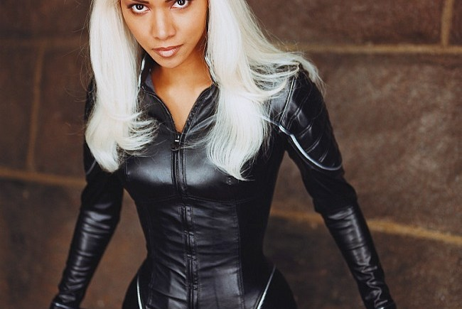 6 Black Girl Friendly Halloween Costumes, Storm, Halle Berry, Halle Berry as Storm, Storm from X-Men