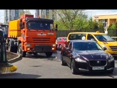 Car Fail Compilation Caught on Dash Cam April 2017 Part 48