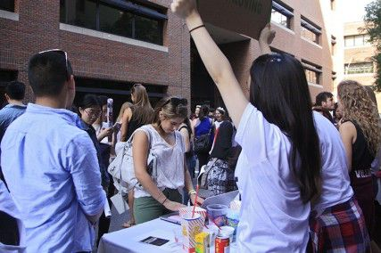Splash gives freshmen the opportunity to explore the myriad of clubs and organizations that Boston University has to offer. PHOTO BY SARAH FISHER/DAILY FREE PRESS STAFF