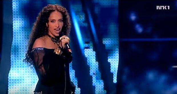 Noa-Photo-screenshot-YouTube-Eurovision