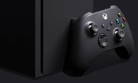 Xbox Series X mit Controller - (C) Microsoft