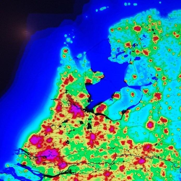 donkere hemel in Nederland