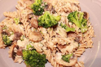Creamy Pasta with Mushroom & Broccoli
