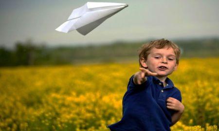 paperairplanekid-0