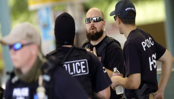 Democrats Sponsoring Bill To Ban ICE Agents From Arresting ILLEGALS At Courthouses