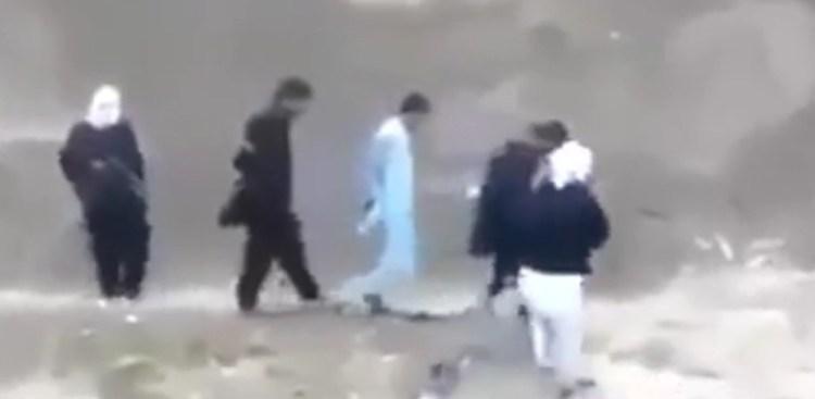 Prisoner Goes All Jack Bauer on Jihadis, Steals their Weapon [VIDEO]